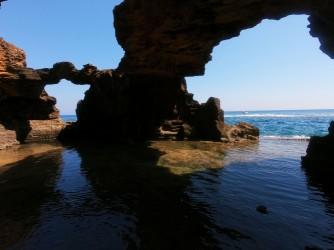 Ruta SUP Cova Tallada - Ruta SUP Cova Tallada - Columnas en la parte exterior de la cueva.