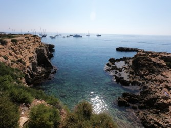 Cala del Francés - Cala del Francés - Vistas desde arriba, entrada de mar protegida a ambos lados.