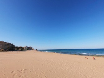 Playa de la Mata - Playa de la Mata - Amplia zona de fina arena dorada.