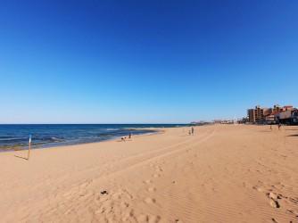 Playa de la Mata - Playa de la Mata - Zona amplia de fina arena dorada.