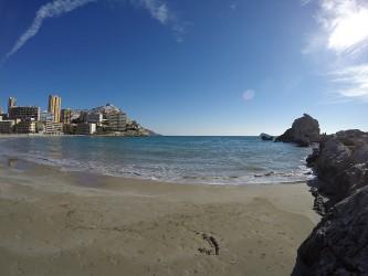 Cala Finestrat - Cala Finestrat - Vista playa de arena de la cala Finestrat - Benidorm - Alicante