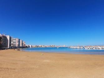 Playa del Acequión - Playa del Acequión - Zona sur dentro del puerto de Torrevieja.
