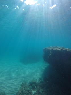 Playa del Torres - Playa del Torres - Fondo marino arenoso con formación rocosa