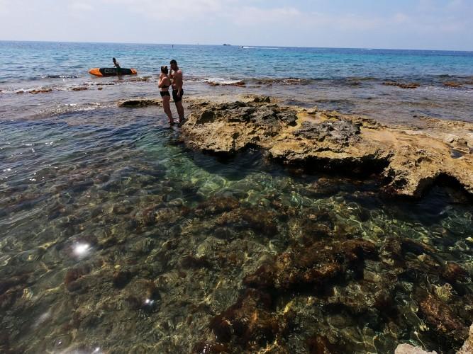 Cala de les Platgetes - Cala de les Platgetes - Zona rocosa y agua cristalina.