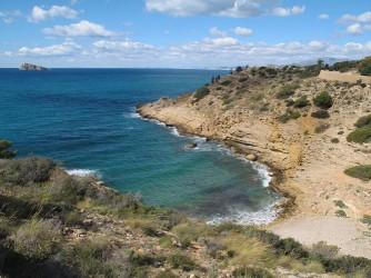 Cala del Tio Ximo - Cala del Tio Ximo - Vista panorámica de la cala, punta de les Caletes.