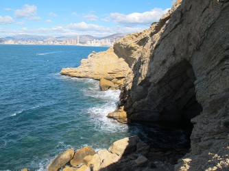 Almadraba Cove - Almadraba Cove - This cave is located in one of the ledges where the Cala de la Almadraba (Almadraba Cove) is located.