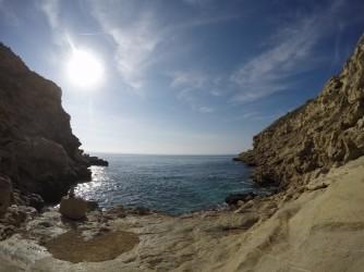 Cala Fonda - Cala Fonda - Vista de la plataforma de roca mirant cap al mar.