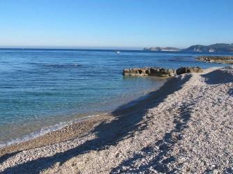 Playa Benissero o Muntanyar - Playa Benissero o Muntanyar - Fin de la playa por el sur, ahí empieza la zona rocosa hasta la Cala del Ministro