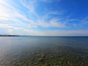 Playa la Almadraba - Playa la Almadraba - Detalle del agua cristalina.