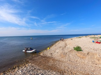 Playa la Almadraba - Playa la Almadraba - Zona de la playa mirando hacia el sur y con acceso de para pequeñas embarcaciones.