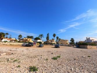 Playa la Almadraba - Playa la Almadraba - Zona de aparcamiento