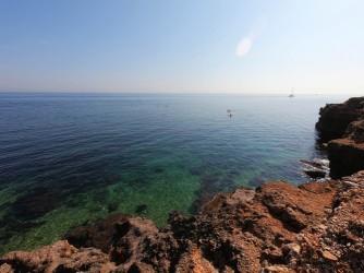 Cala Punta Negra - Cala Punta Negra - Zona rocosa con aguas cristalinas ideal para hacer snorkel.