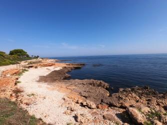 Cala Punta Negra - Cala Punta Negra - Una de las varias calas de cantos rodados de esta zona.